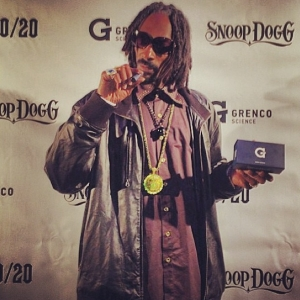 Snoop Dogg tells you How To use a G Pen